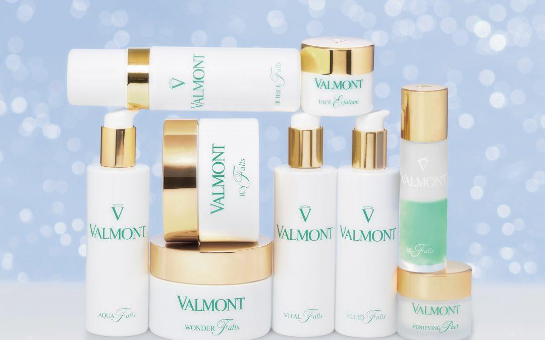 Detersione viso: Illumina la tua pelle con le nuove carezze Valmont!