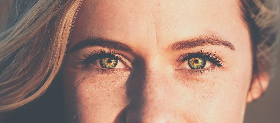 Mascara occhi: come esaltare il tuo sguardo nel modo giusto?